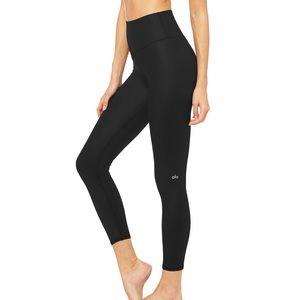 Alo 7/8 air brushed high waisted leggings M NWOT